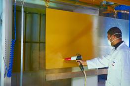 Peinture - machine à laquer et laquage et thermolaquage et traitement de surface et cabines de laquage et impression numérique bi coloration